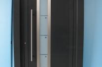 Straight line door